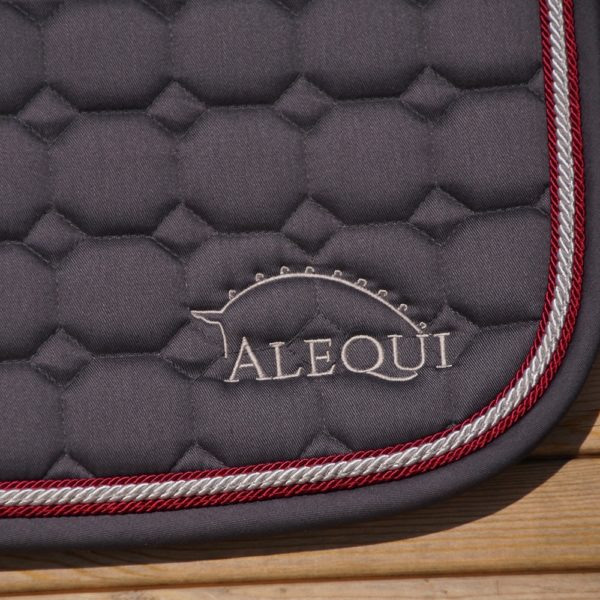 ALEQUI graphite jumping saddle pad